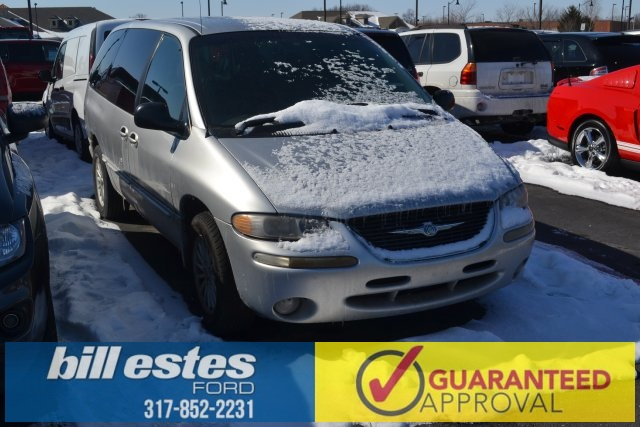 Pre-Owned 2000 Chrysler Town & Country LX