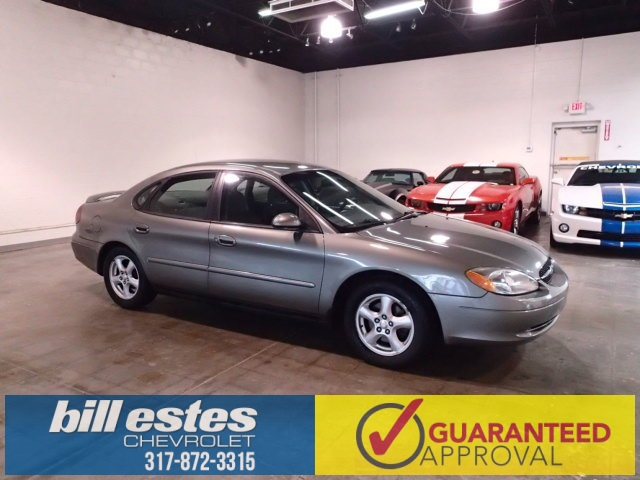 Pre-Owned 2002 Ford Taurus SE