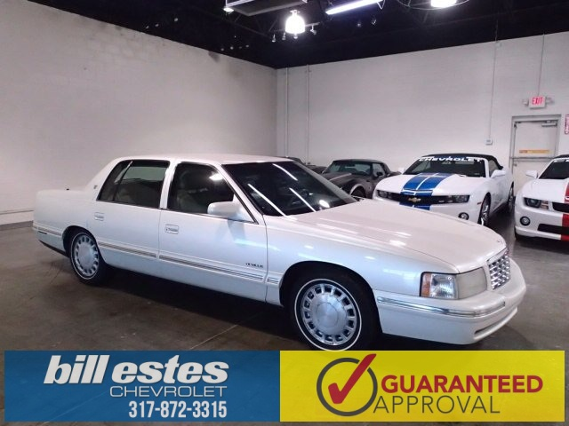 Pre-Owned 1998 Cadillac DeVille Base
