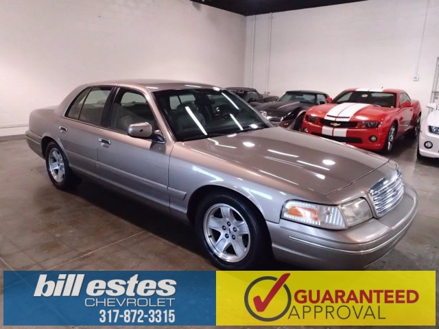 Pre-Owned 2002 Ford Crown Victoria LX